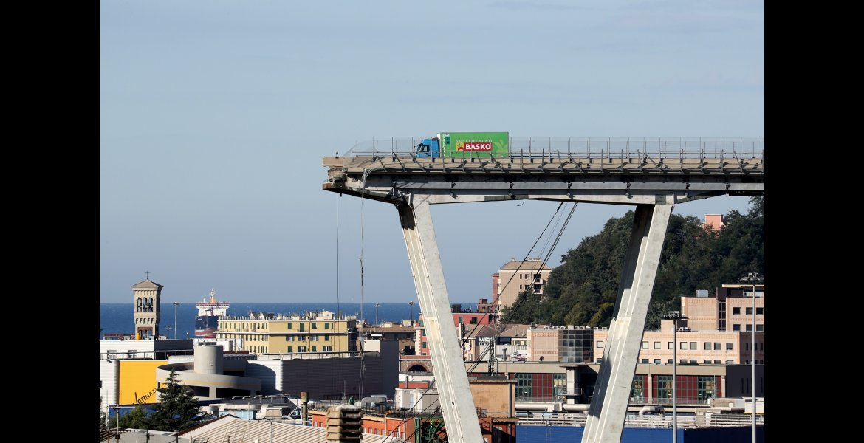 Stefano Rellandini, Il ponte Morandi collassato, Genova, 15 agosto 2018